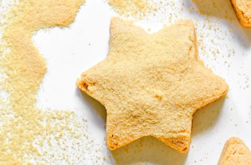 Almond Flour Cookies with Honey Powder
