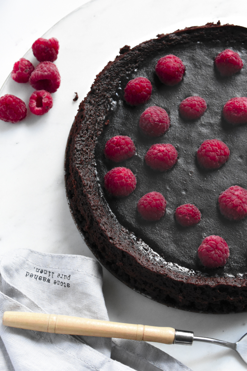 French Flourless Chocolate Cake