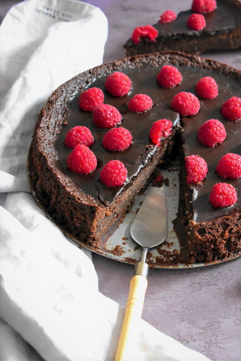 French Flourless Chocolate Cake 1