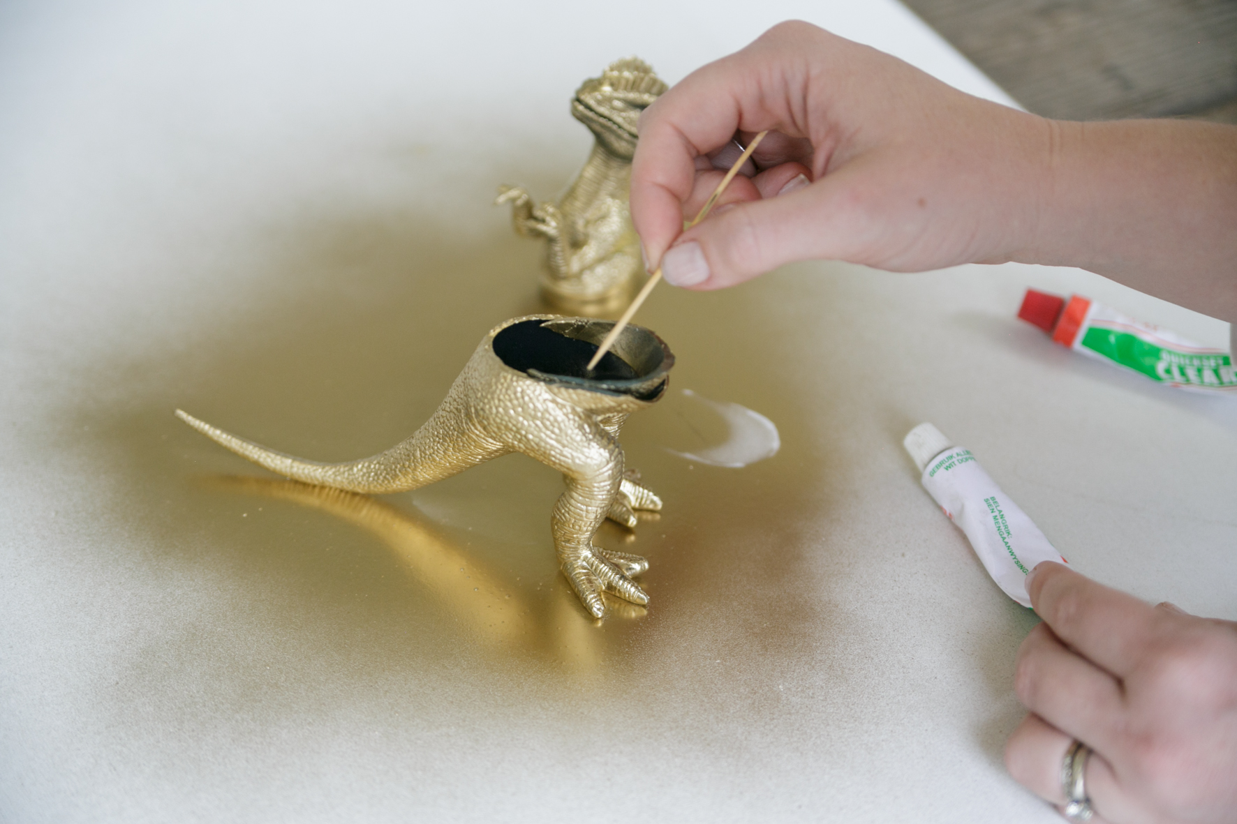 How to Make a Dinosaur Cake Stand 14