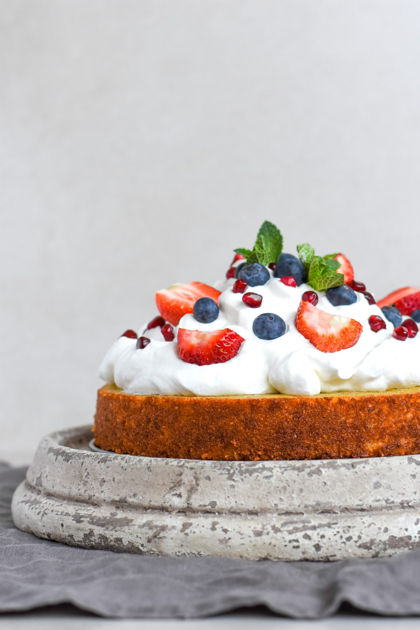 Gluten and Sugar-Free Coconut Cake with Berries
